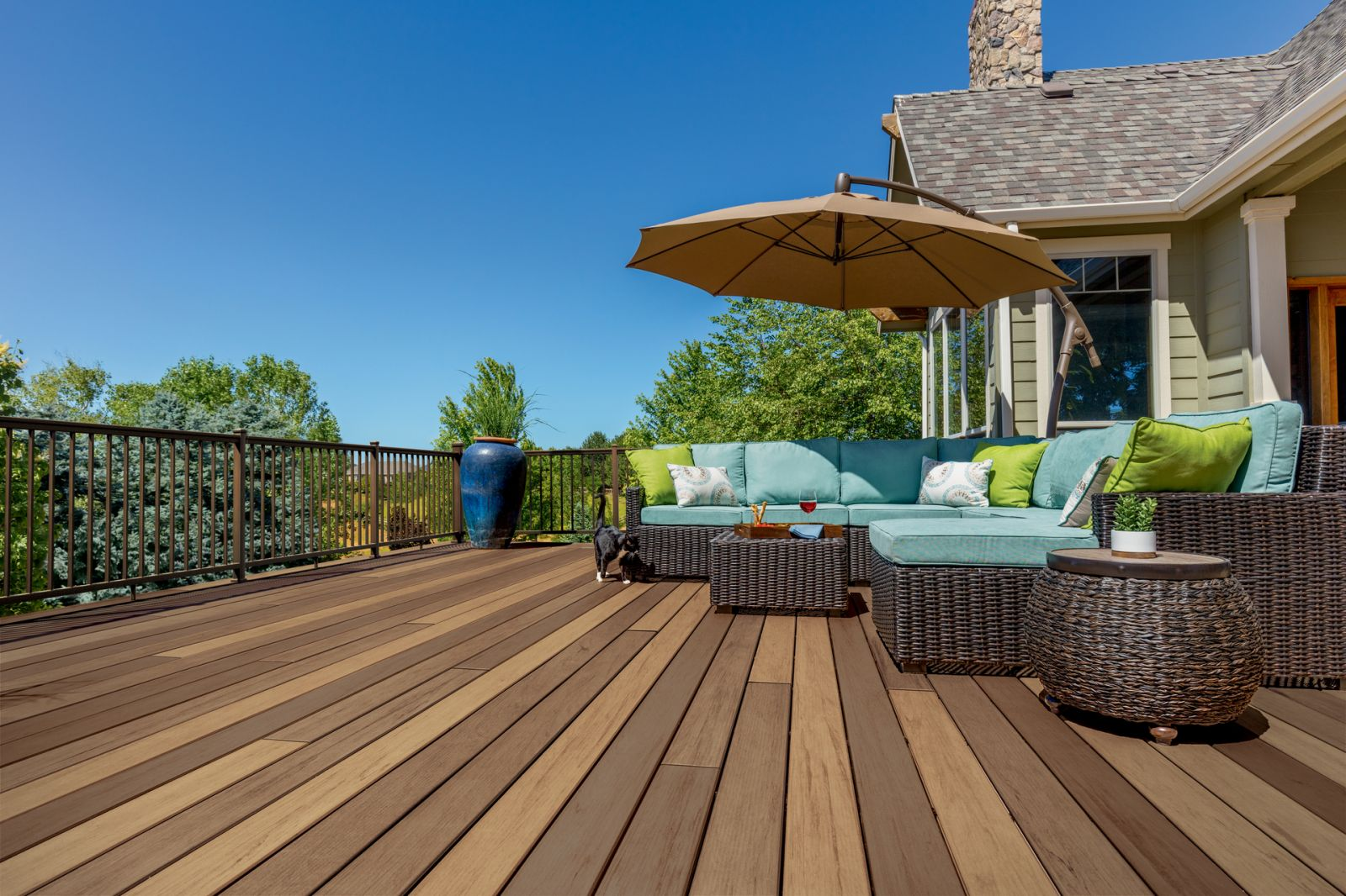 TimberTech Decking - Tigerwood Pecan Mix Day
